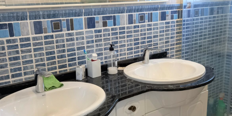 Bed4 Bath (3)